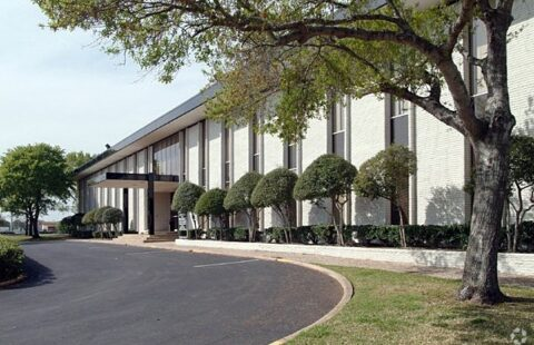 OFFICE SPACE FOR LEASE IN CLEAR LAKE CITY!