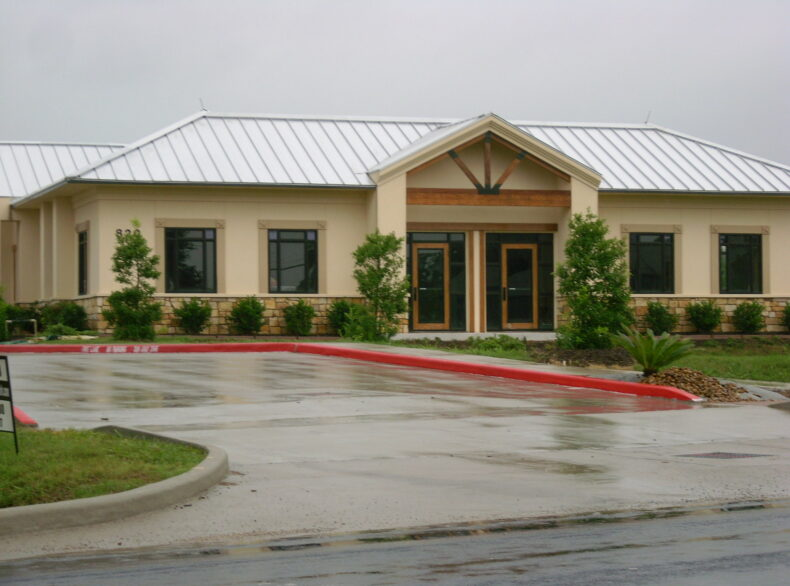 820 Lawrence Rd. Office Building FOR LEASE